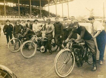 boardtrack racers indian motorcycles 450x330 - Boardtrack Gentlemen