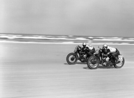 motorcycle beach racing