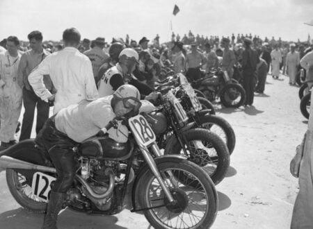 triumph motorcycle cafe racer 450x330 - Triumph Kip