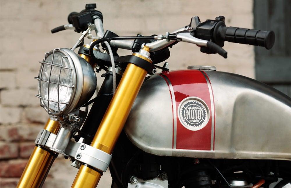 Classified Moto XV920R 1