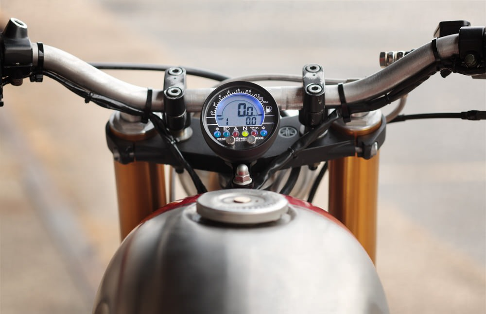 Classified Moto XV920R 5