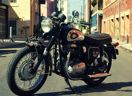 Old-1969-BSA-A65-Lightning-Cafe-Racer