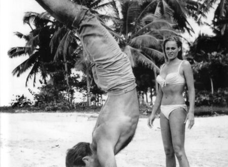 Sean Connery 450x330 - Sean Connery Handstand