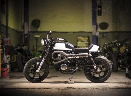 Yamaha XS400 Motorcycle 7