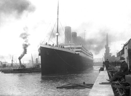 Titanic Departing 450x330