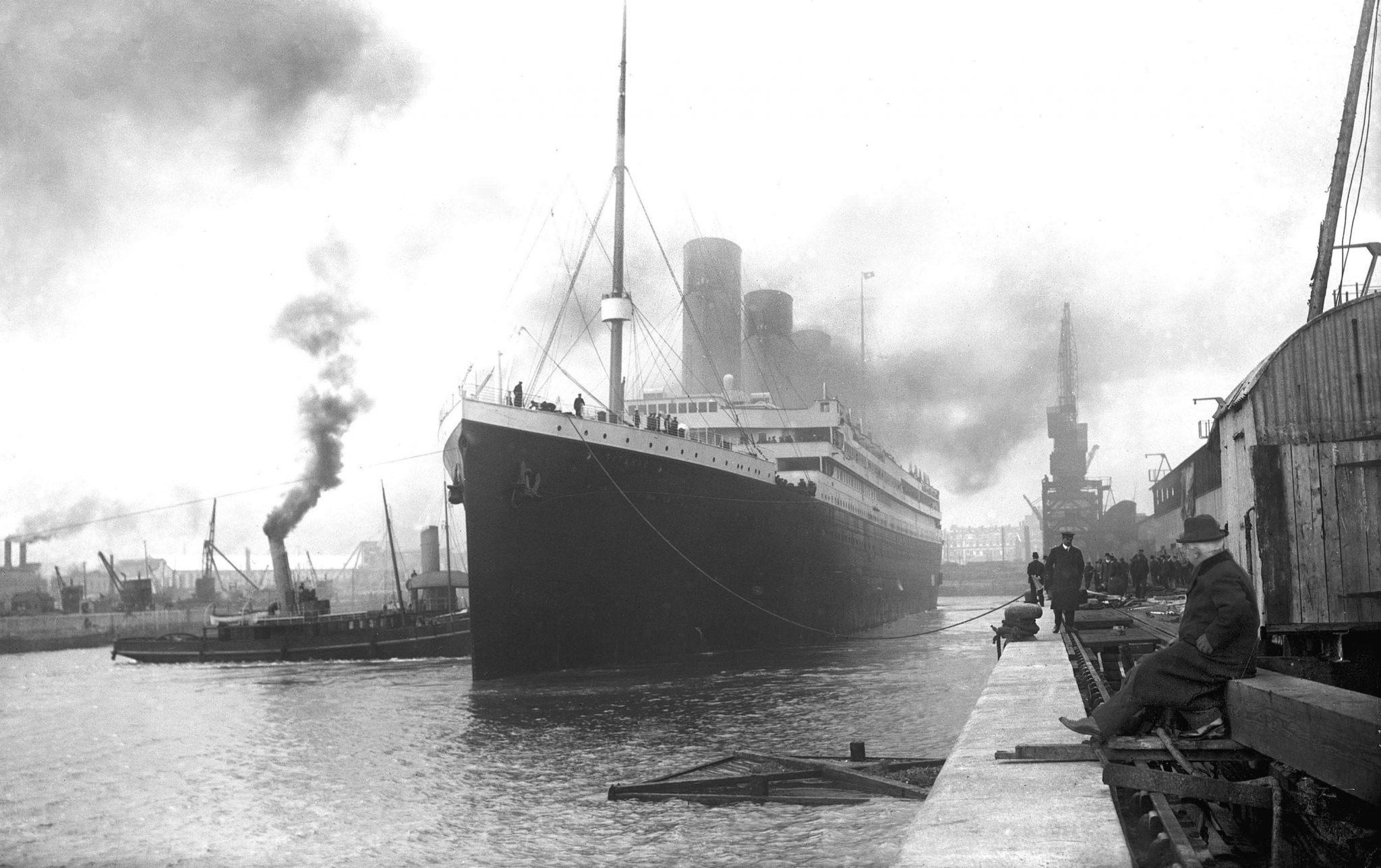 Titanic Departing