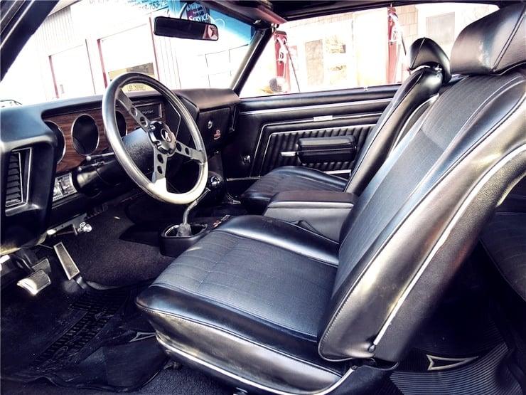 1970 Pontiac GTO convertible interior