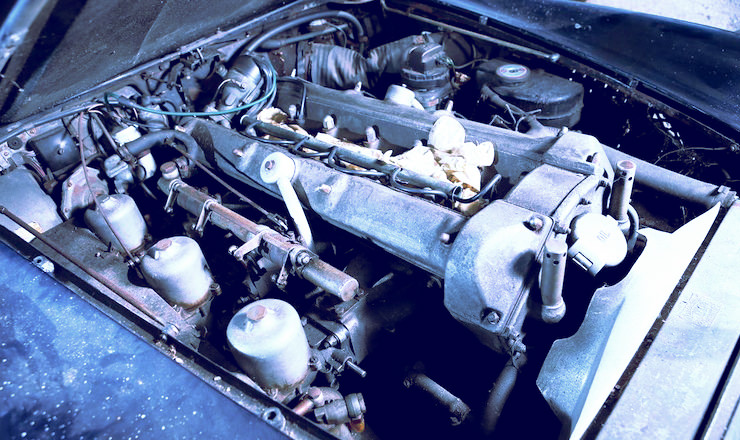 1963 Aston Martin DB4 'Series V' Vantage Sports Saloon 16