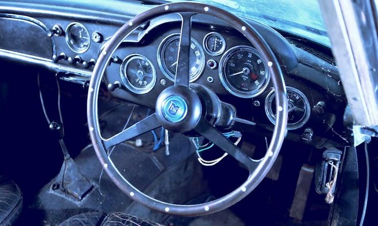 1963 Aston Martin DB4 Series V Vantage Sports Saloon 9 1963 Aston Martin DB4 Series V Vantage