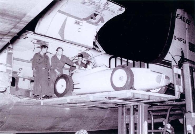 Cloudmaster DC-6 6