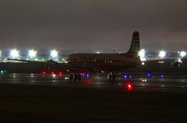 Cloudmaster DC-6 7