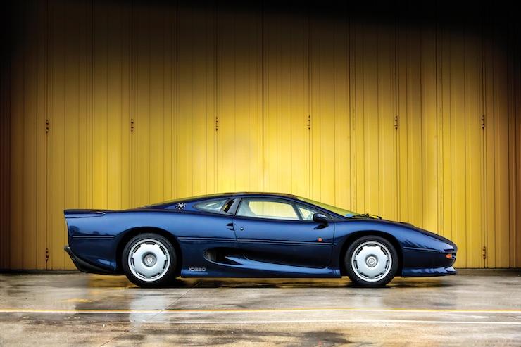 Jaguar XJ220 3