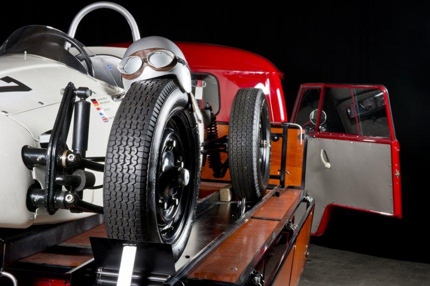 1964:5 Volkswagen Bulli & Porsche Formula V 4