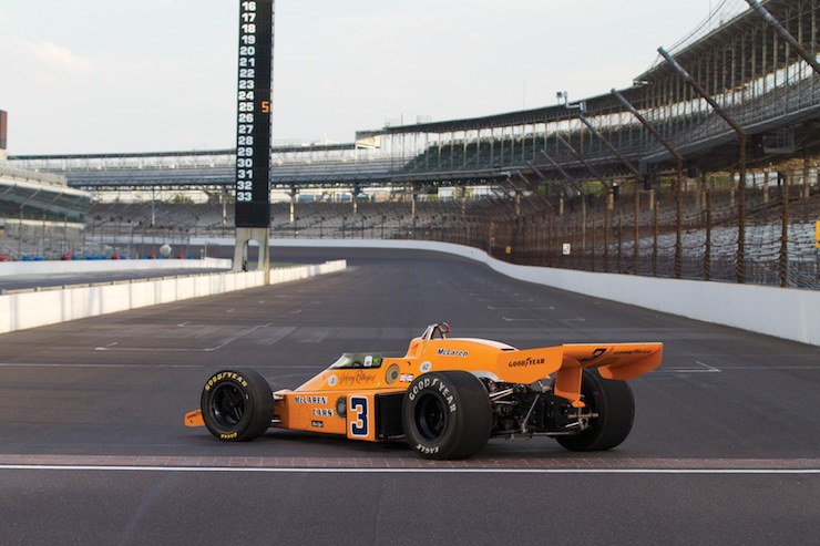 MO13 r148 02 1974 McLaren M16C Indy Race Car