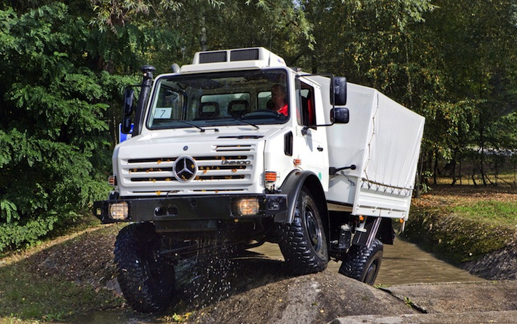 Mercedes-Benz Unimog - The U4000