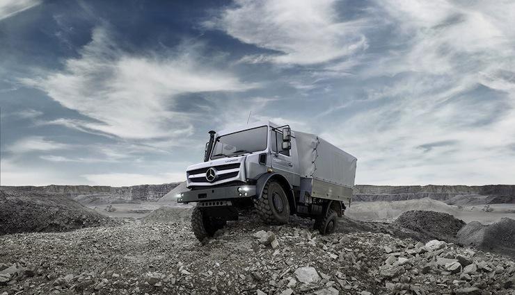 Mercedes-Benz-Unimog-U4000 11
