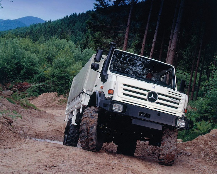 Mercedes-Benz-Unimog-U4000 12
