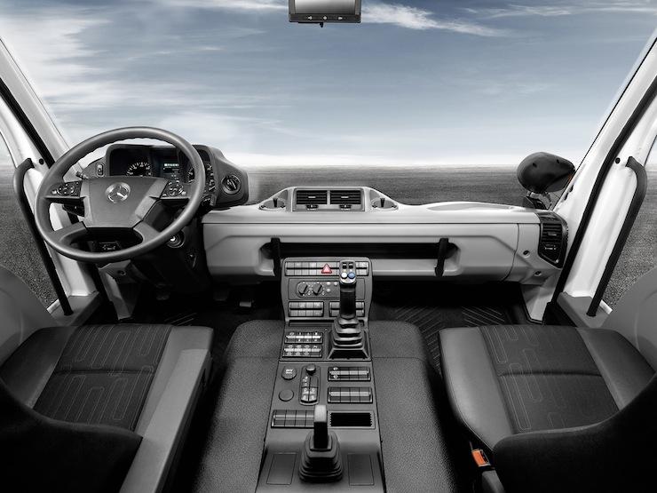 Mercedes-Benz-Unimog-U4000 6