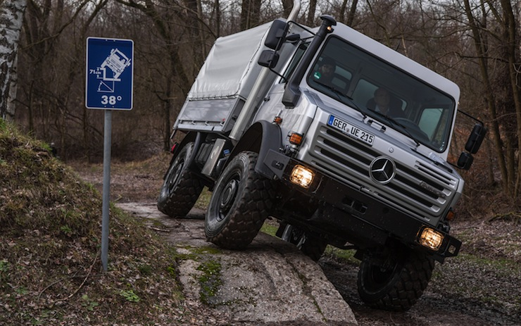 Mercedes-Benz-Unimog-U4000 8