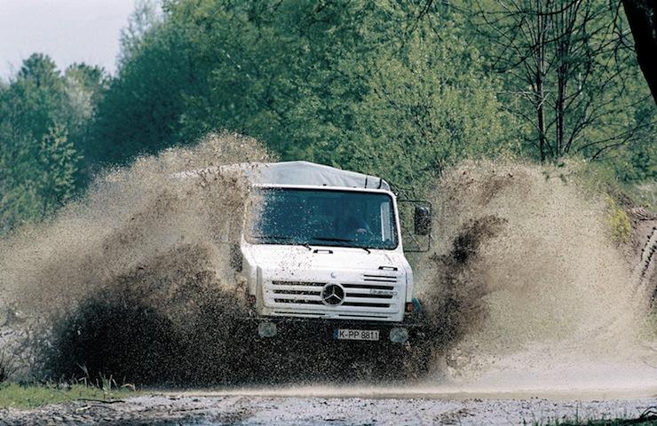Mercedes-Benz-Unimog-U4000 9