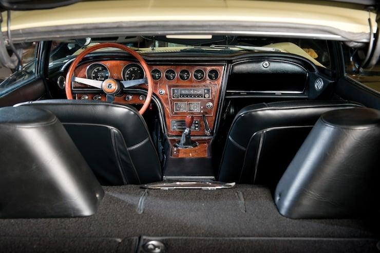 Toyota 2000GT full interior
