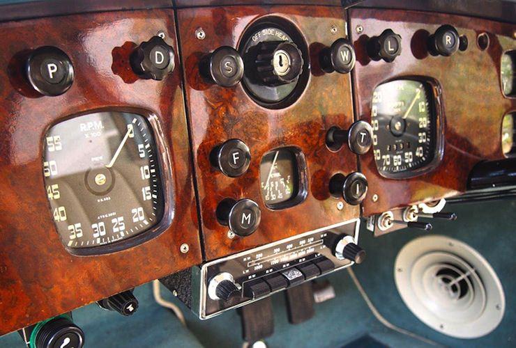 1953 Bristol 403 dashboard