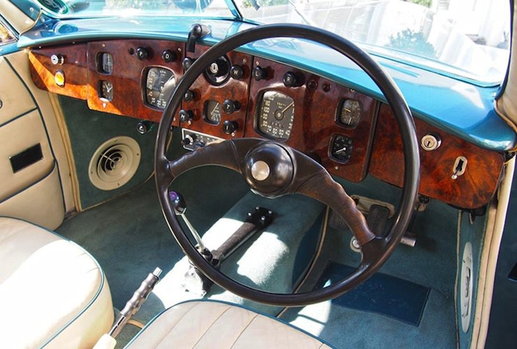 1953 Bristol 403 steering wheel
