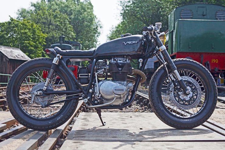 Honda CB250 Custom Motorbike 3