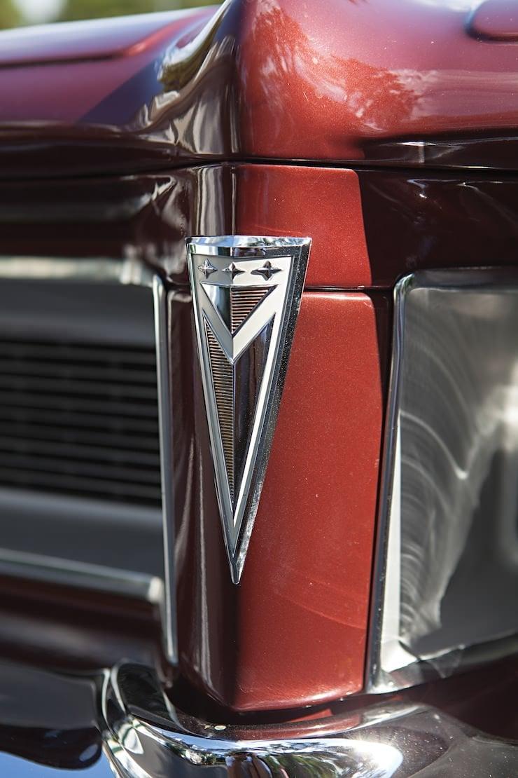 Pontiac Grand Prix Sport Coupe grill 1962 Pontiac Grand Prix Sport Coupe