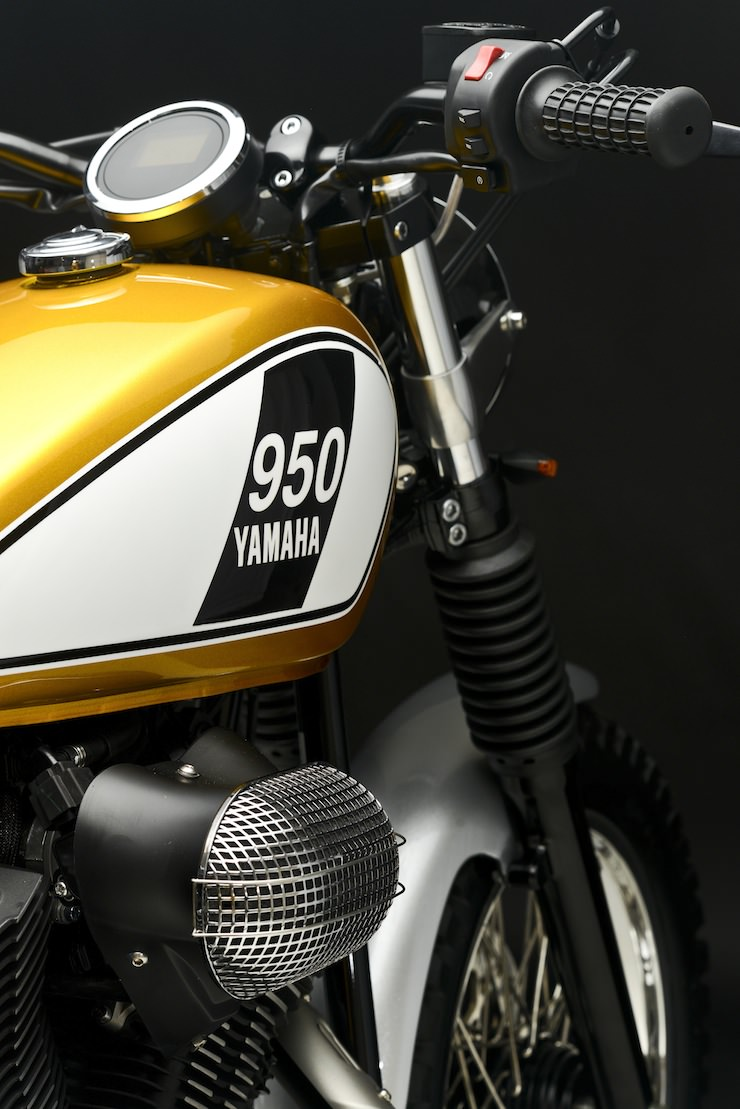 Yamaha Bolt Custom 11