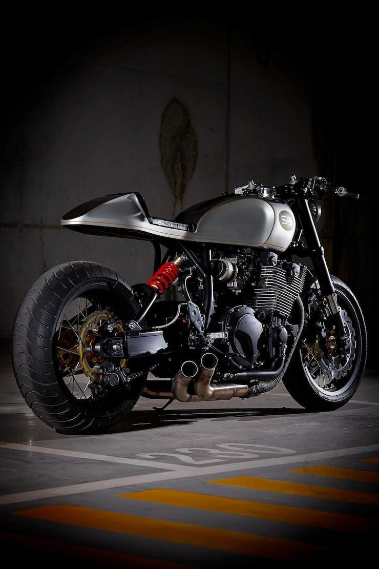 Yamaha XJR 1200 back