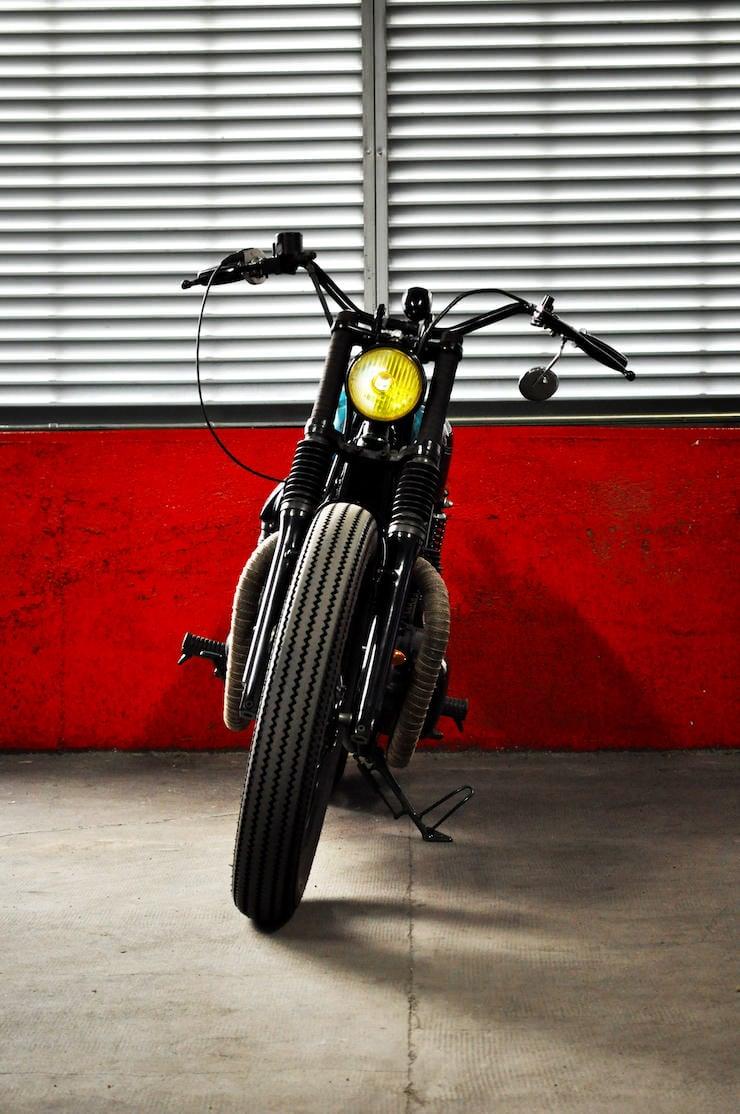 Custom w650 by blitz motorcycles for Garage custom moto