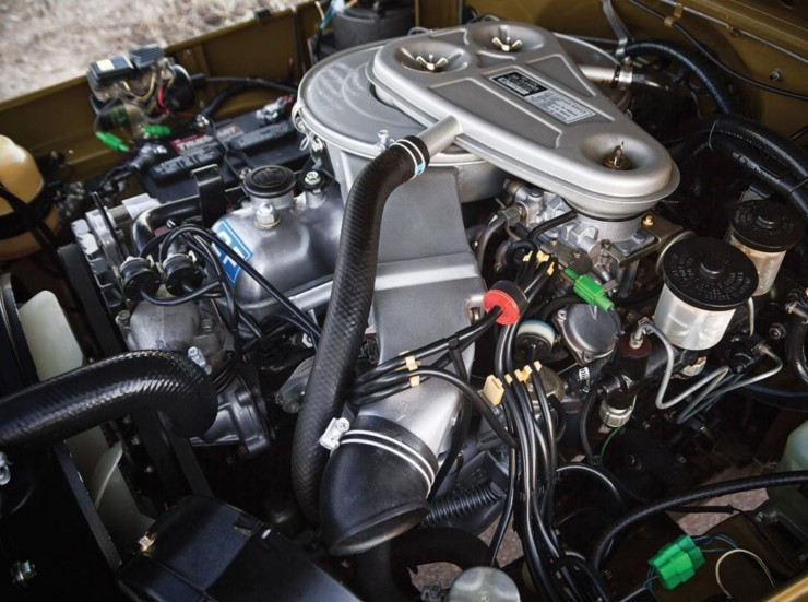 1977 Toyota FJ40 Land Cruiser Engine