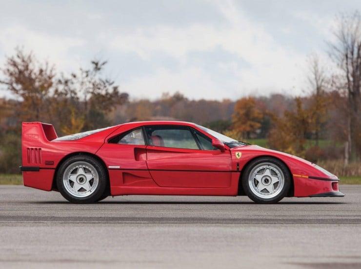 1990 Ferrari F40 9