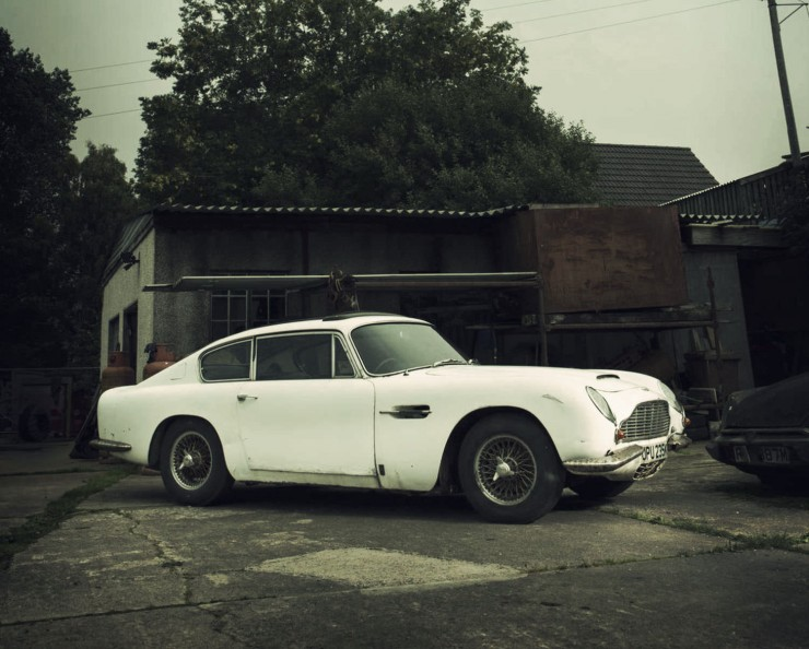 Aston Martin DB6 Front Side Right