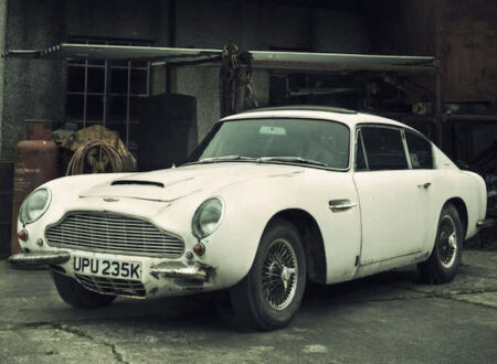 Aston Martin DB6 Front Side