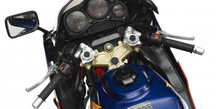 Honda VF1000R Dash