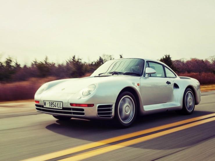 Porsche 959 driving_Fotor