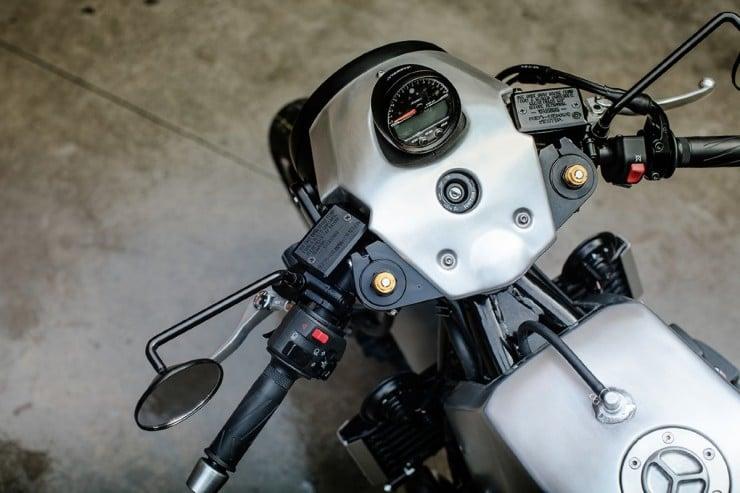 Yamaha XJR1300 11