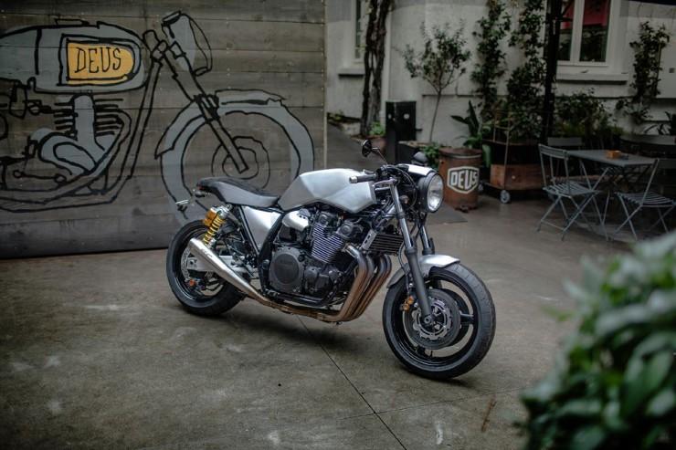 Yamaha XJR1300 2