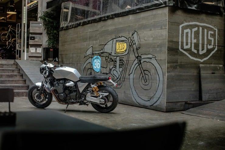 Yamaha XJR1300 3