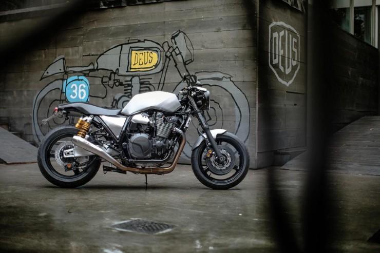 Yamaha XJR1300 6