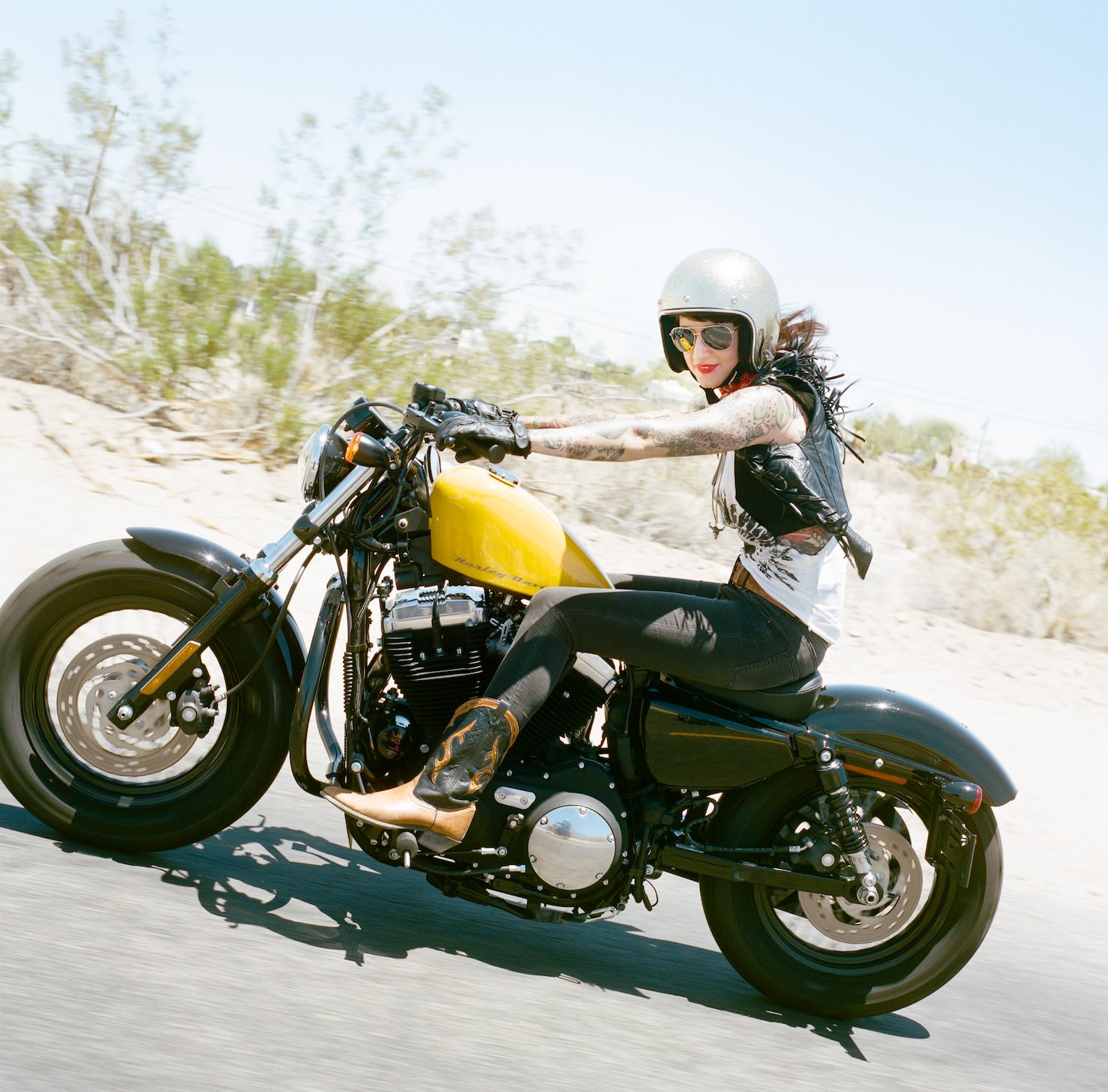pictures-of-naked-women-on-motorcycle