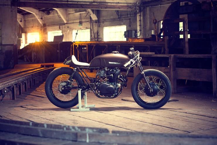 Honda CB250 2