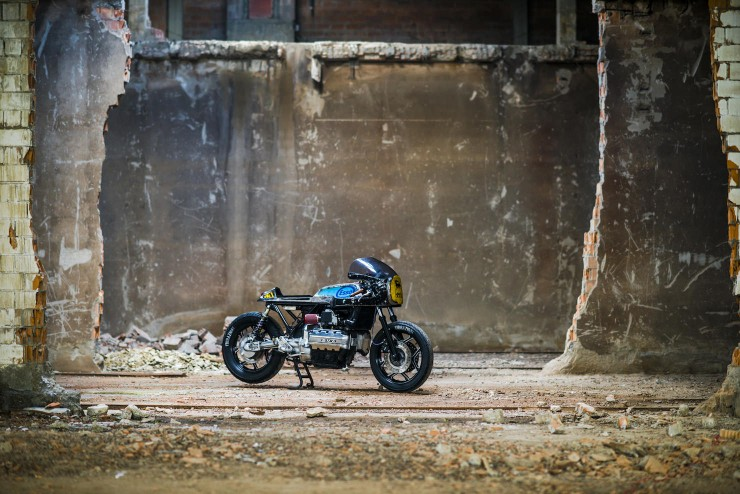 bmw k100 cafe racer 4 740x494 BMW K100 Cafe Racer