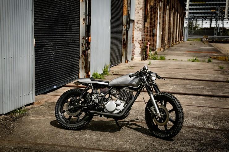 Yamaha SR400 Custom Motorbike 16