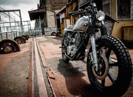 Yamaha SR400 Custom Motorbike 7