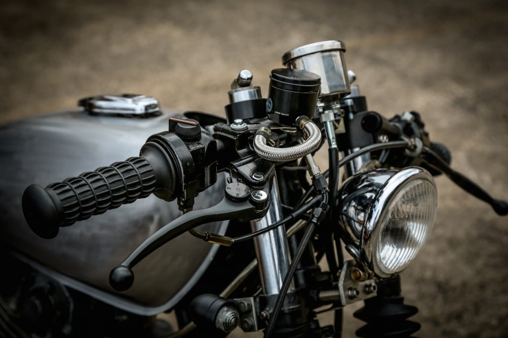 Yamaha SR400 Custom Motorbike