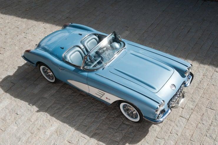 1960 Chevrolet Corvette 16 740x492 1960 Chevrolet Corvette