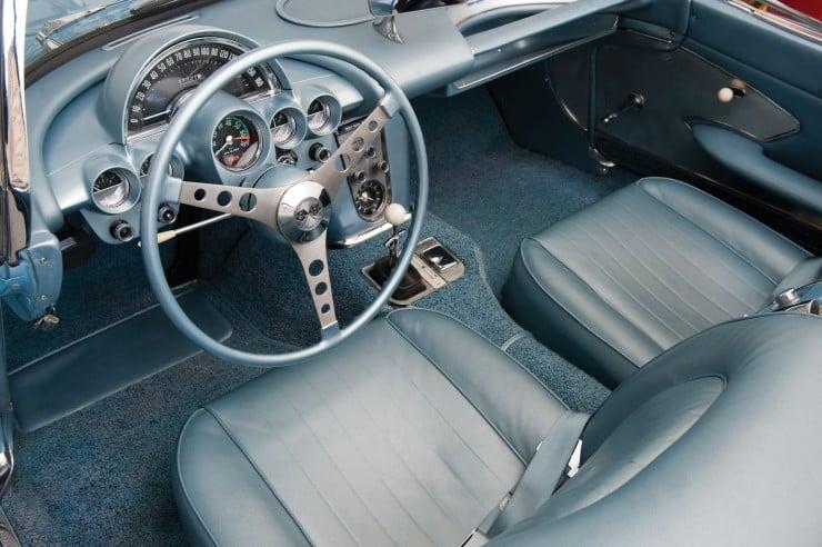 1960 Chevrolet Corvette 3 740x492 1960 Chevrolet Corvette